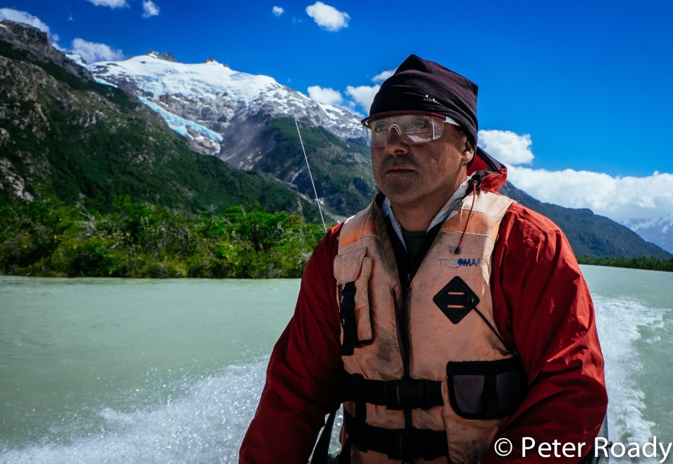 Ocho river navigating in Patagonia